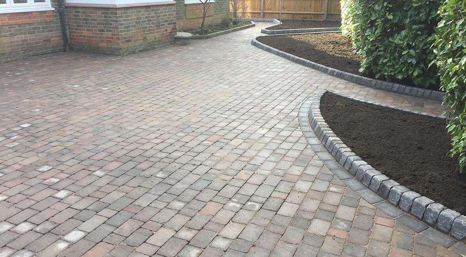 SNT Landscapes Driveway Block Paving in Horley